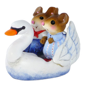 M475 Swan Boat Sweethearts