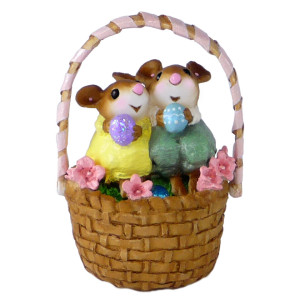 M523  Cozy Easter Couple Wee Forest Folk