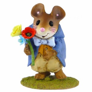 NM5A Elegant Mr. Nibbles Summer Bouquet