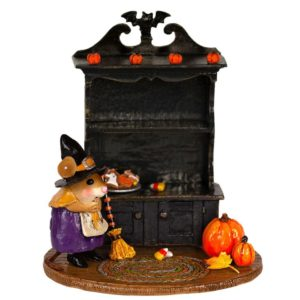 M-674b_ halloween Curio purple