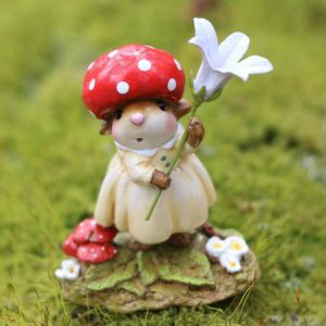 M687 ruby-red-cap Wee Forest Folk