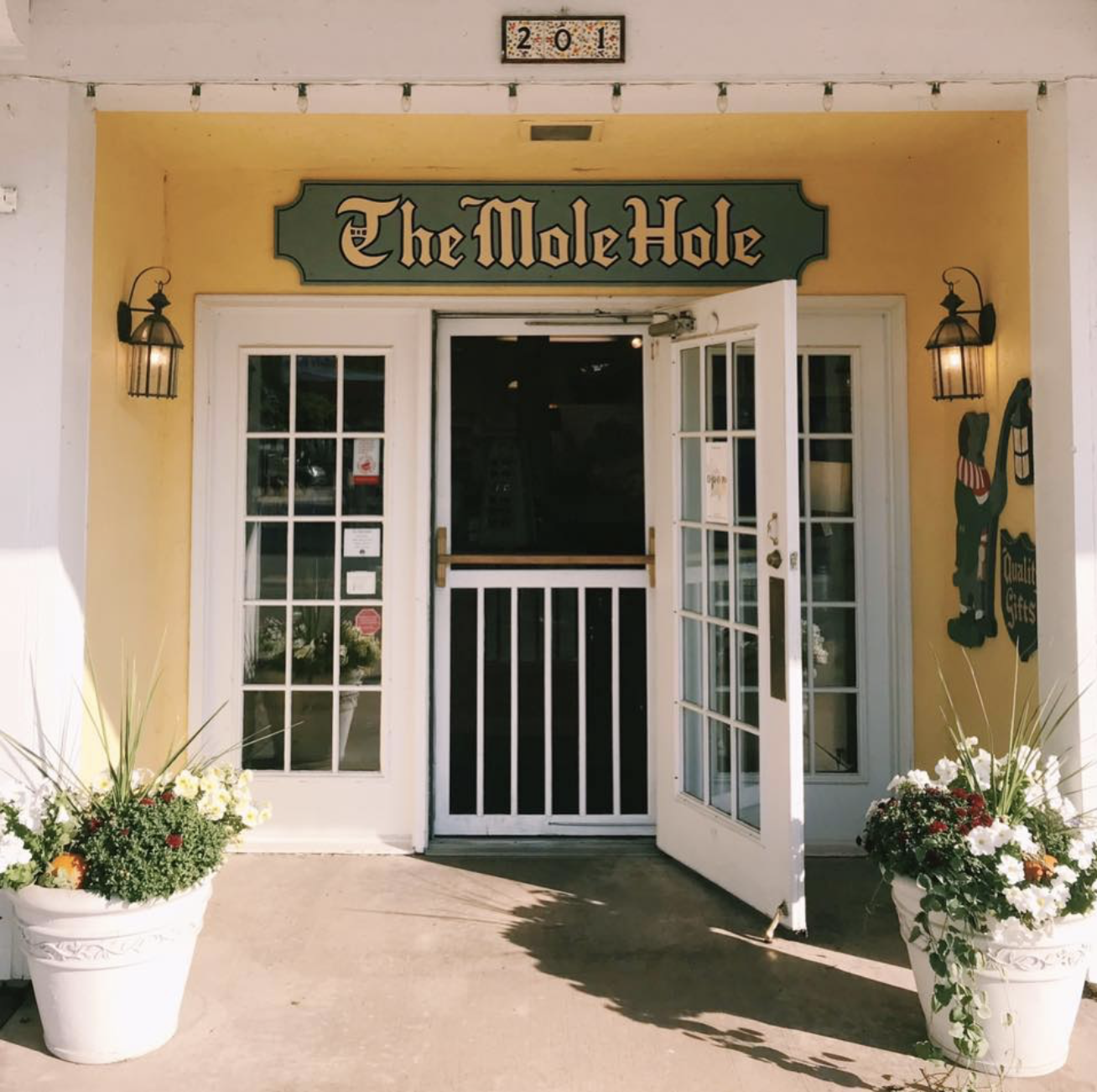 The Mole Hole of Sault Ste. Marie: Gifts, Jewelry, Baby, Apparel, & Home Decor