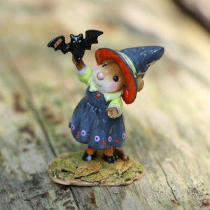 LTDM677a witch-and-bat_